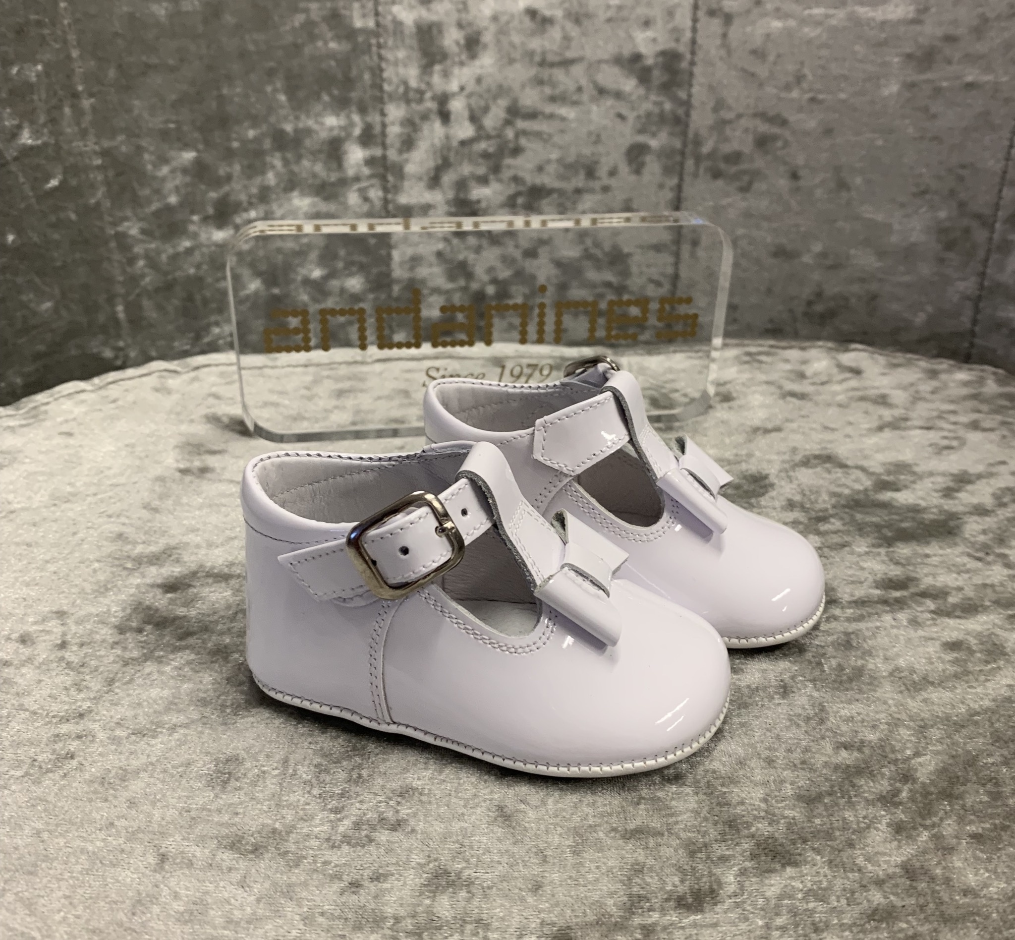 Andanines Andanines White Patent Bow Pram Shoe