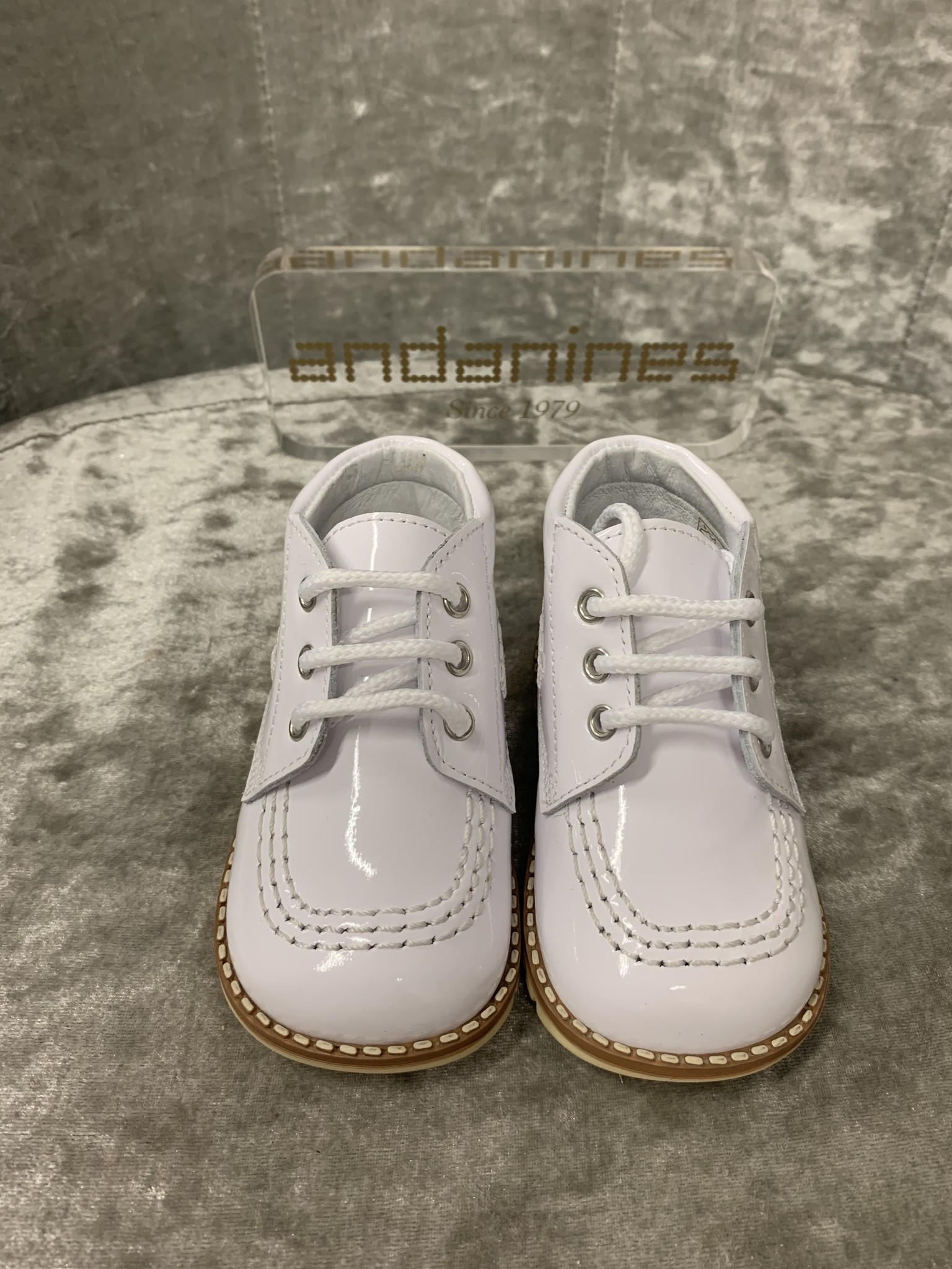 Andanines Andanines White Boots - Size 18