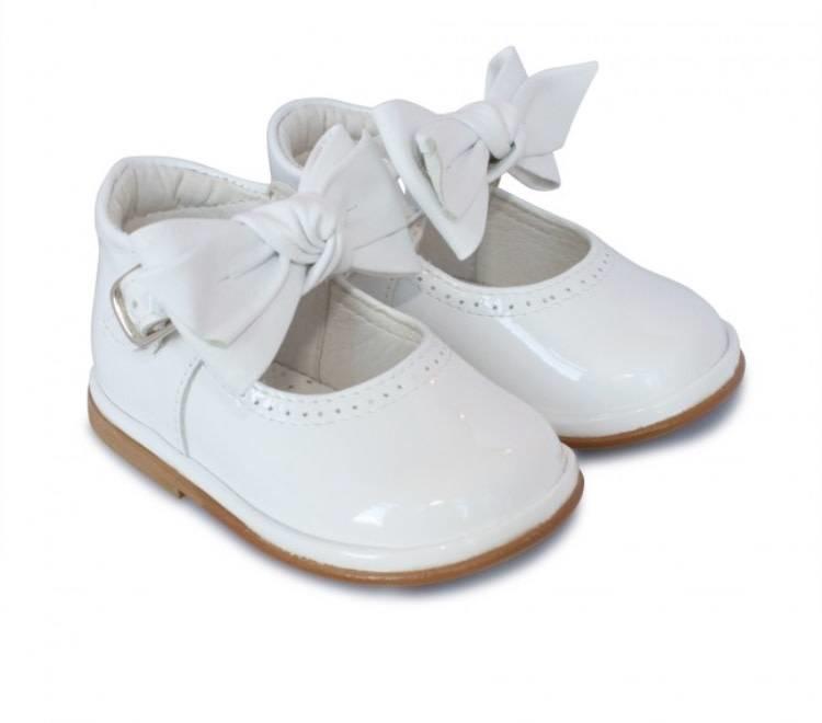 Borboleta  2412 Victoria White Patent Shoe