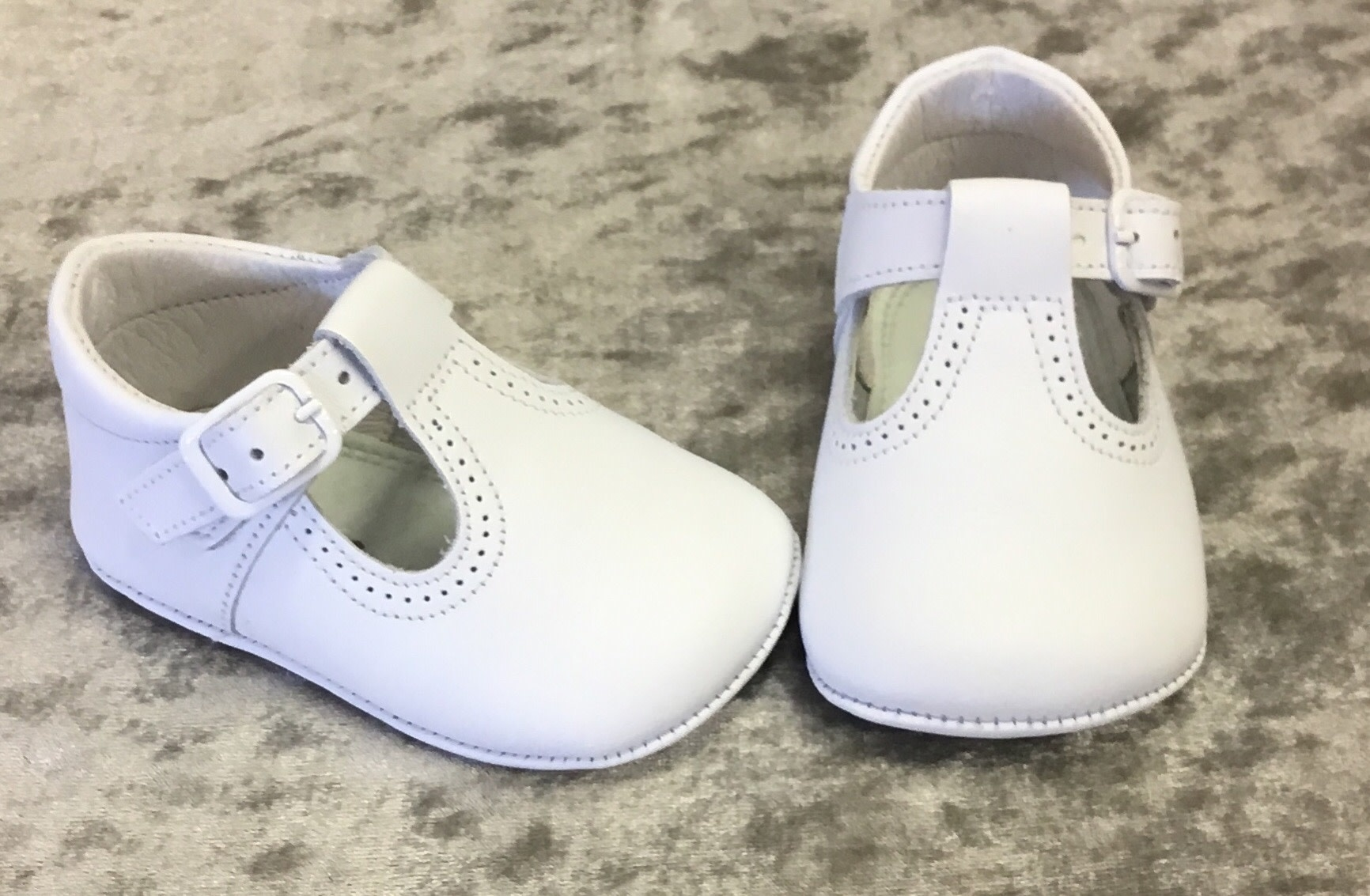 leon Leon T bar 3073  White Leather Pram Shoe