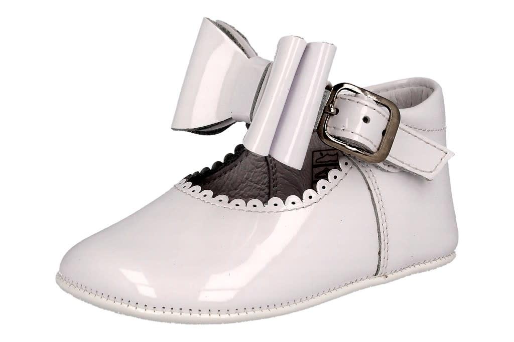 Andanines Andanines White Patent Bow Pram Shoe 202806 S21