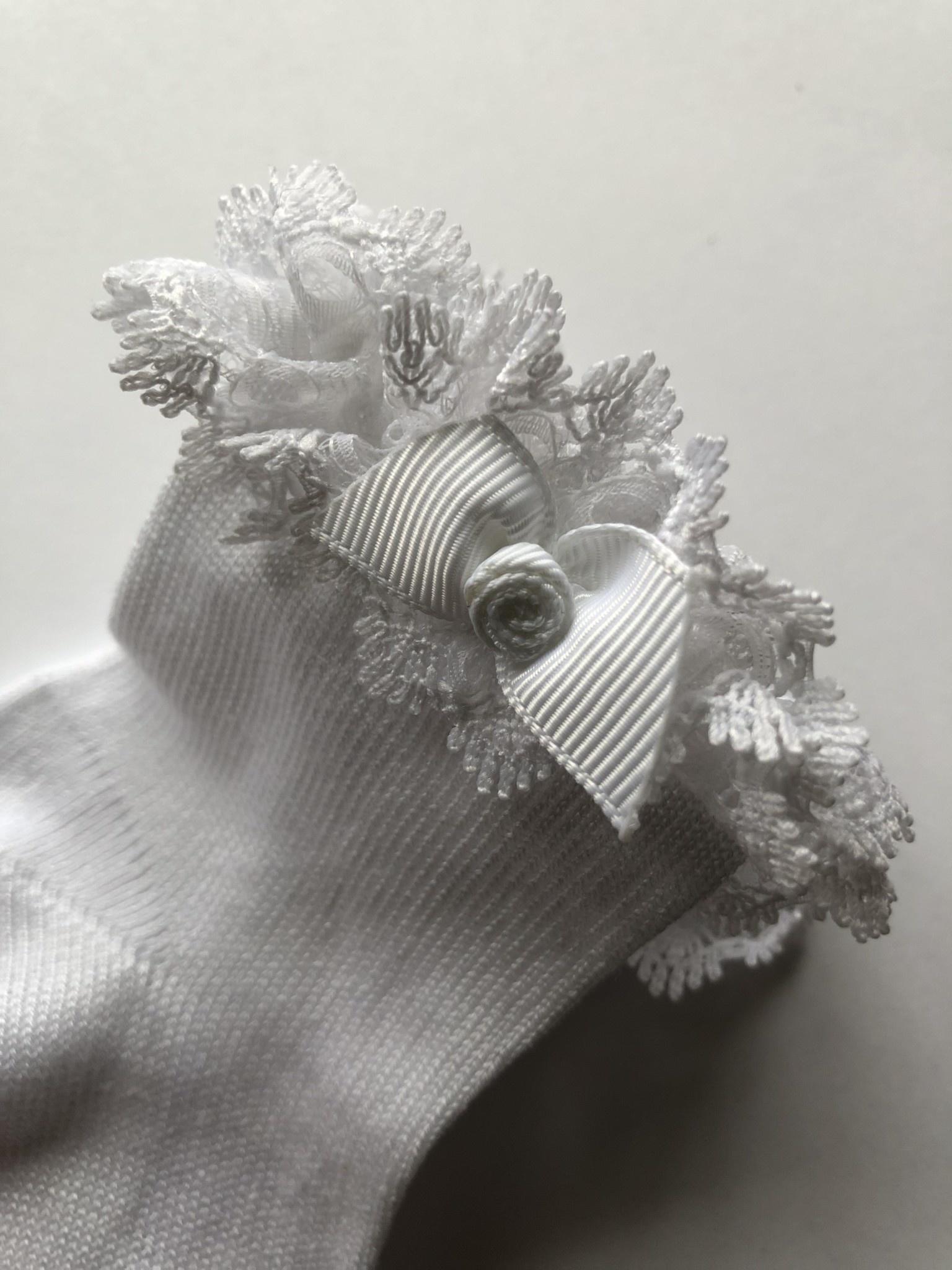 JC Socks JC Socks White Ankle Sock With Short Lace Ruffle & Rose Bow