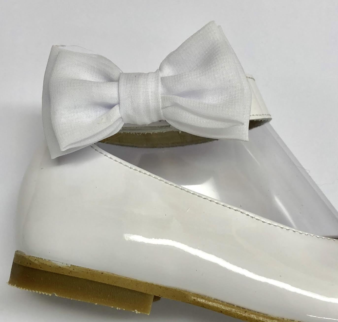 Andanines Andanines White Patent Shoe with Chiffon Bow Detail 191876