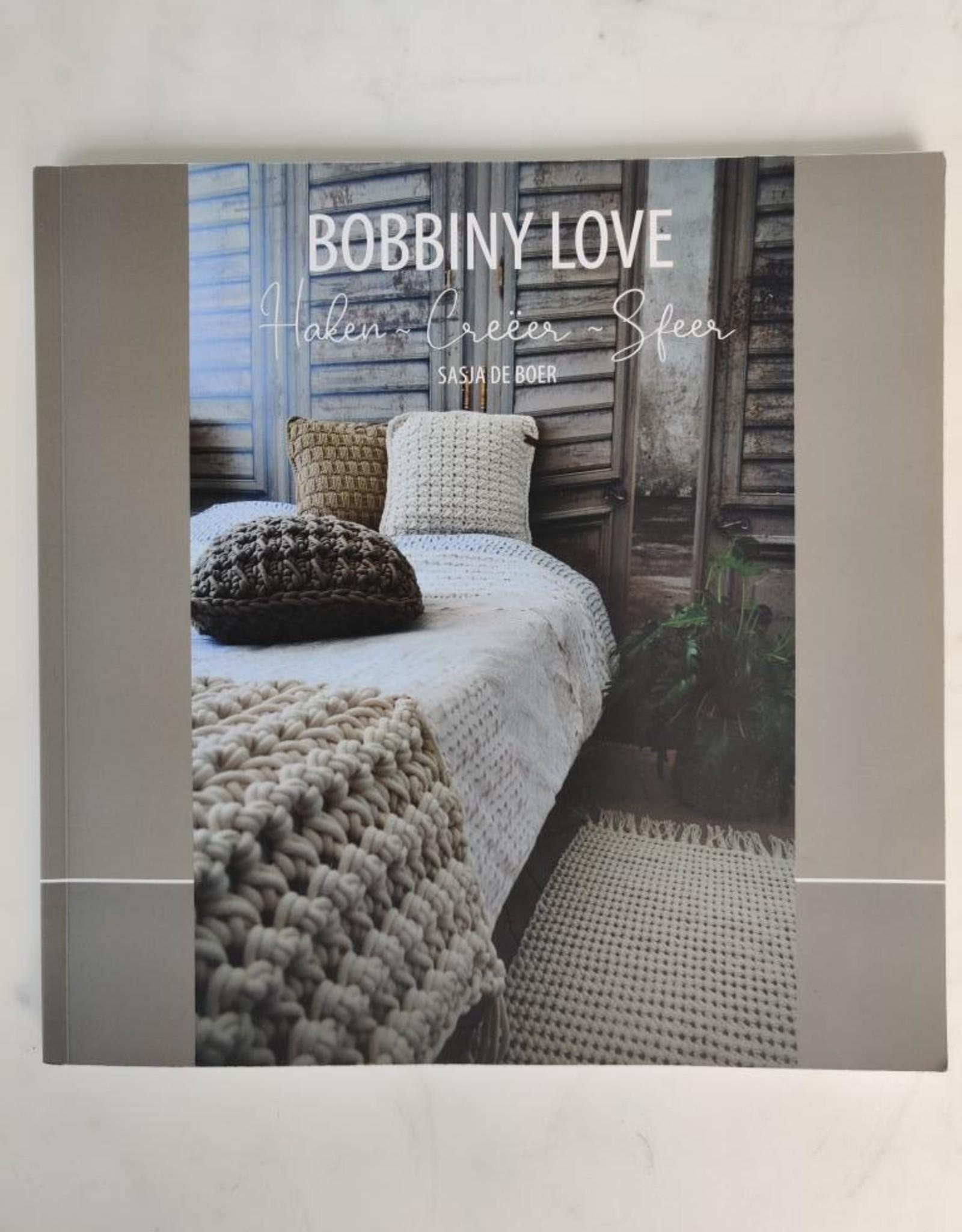 Bobbiny Bobbiny in love - boek