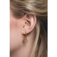Earring letter D gold