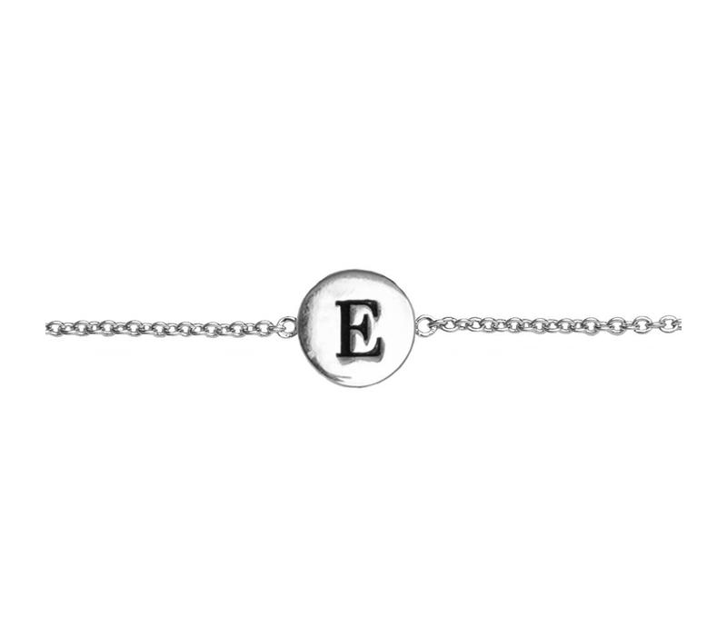 Armband letter E zilver
