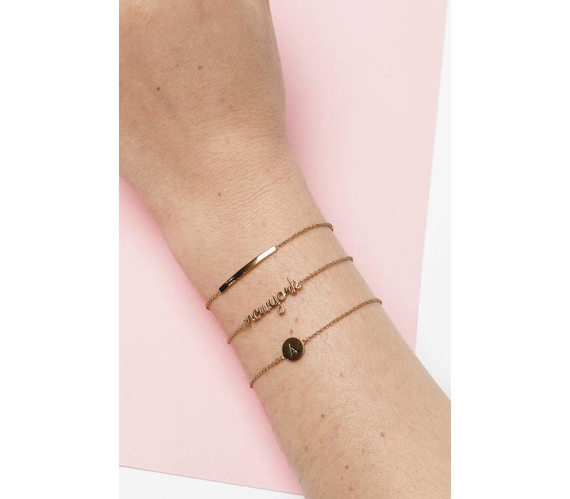 Armband letter R goud