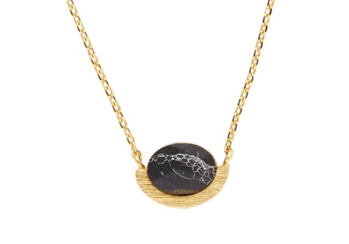 All the luck in the world Ketting Moon A Black Howlite goud