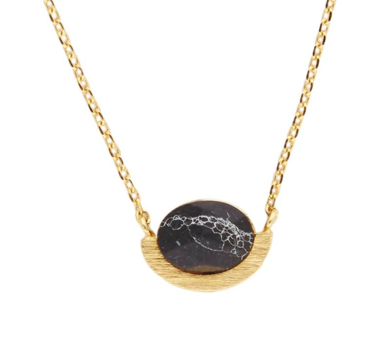 Ketting Moon A Black Howlite goud