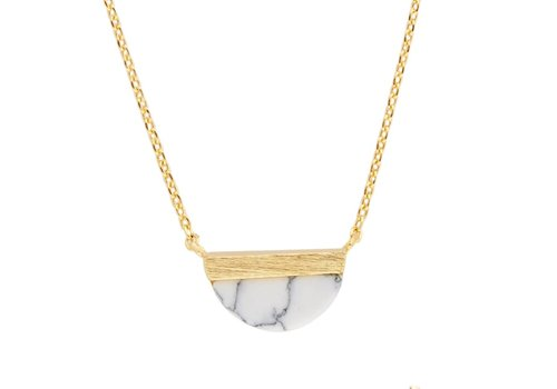 All the Luck in the World Ketting Moon B White Howlite goud