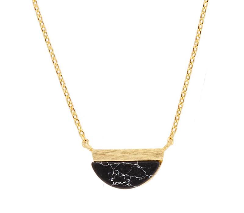 Galaxy Goldplated Ketting Moon B Black Howlite