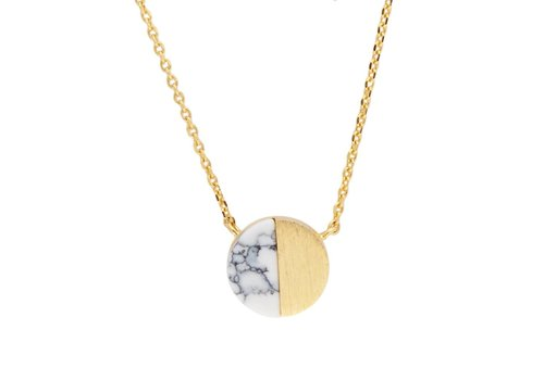 All the luck in the world Ketting Moon C White Howlite goud