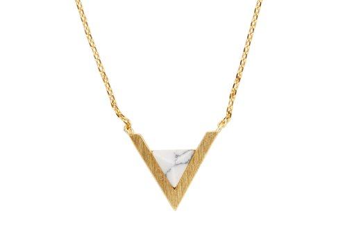 All the luck in the world Ketting Triangle A White Howlite goud