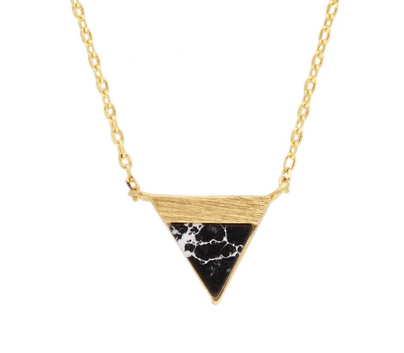 Ketting Triangle B Black Howlite goud