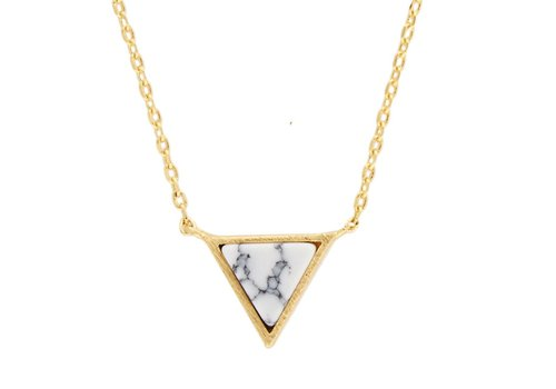 All the luck in the world Ketting Triangle C White Howlite goud