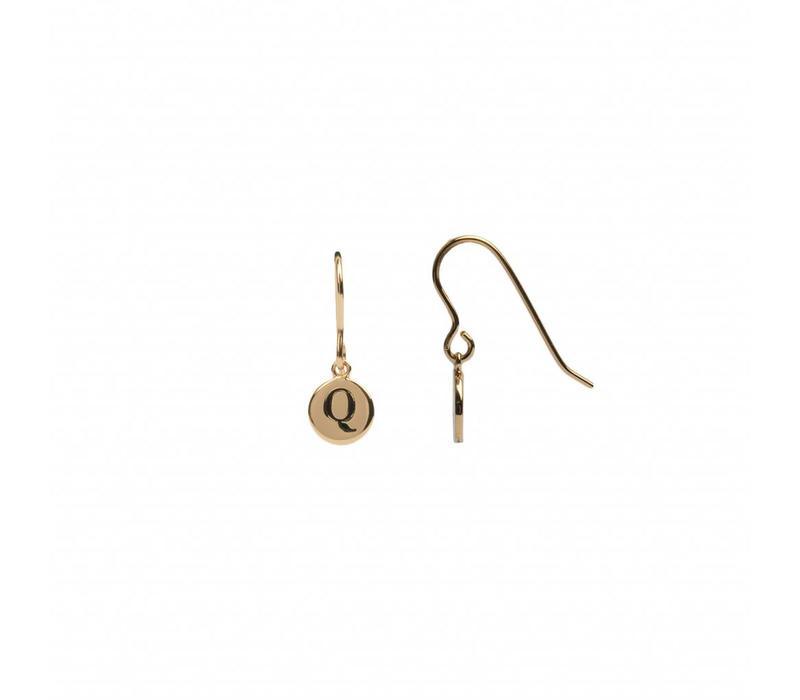 Character Goldplated Earring letter Q