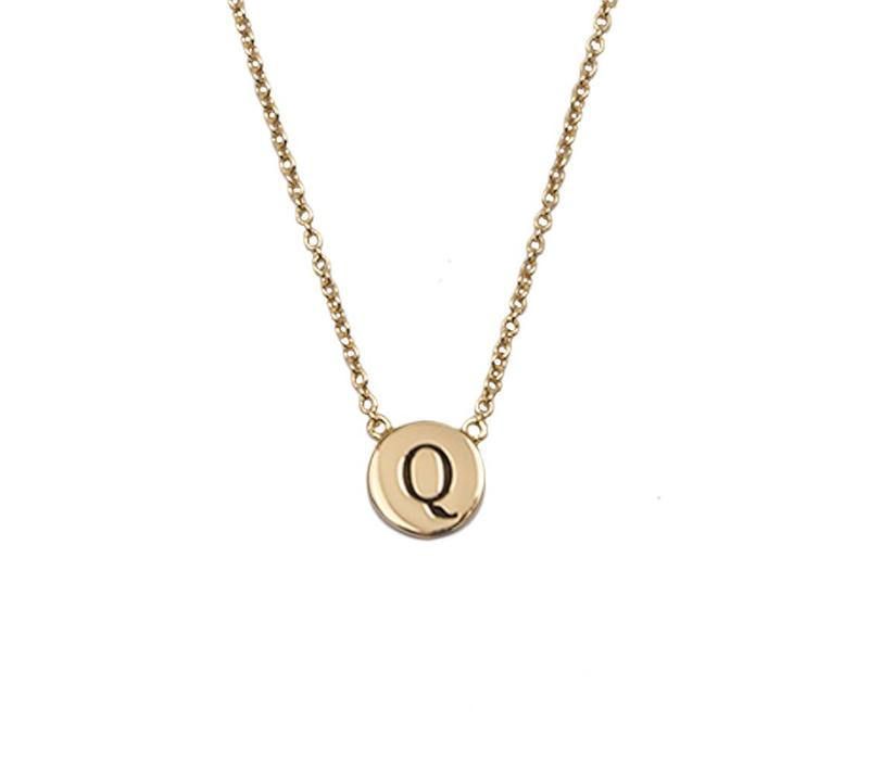 Character Goldplated Necklace letter Q