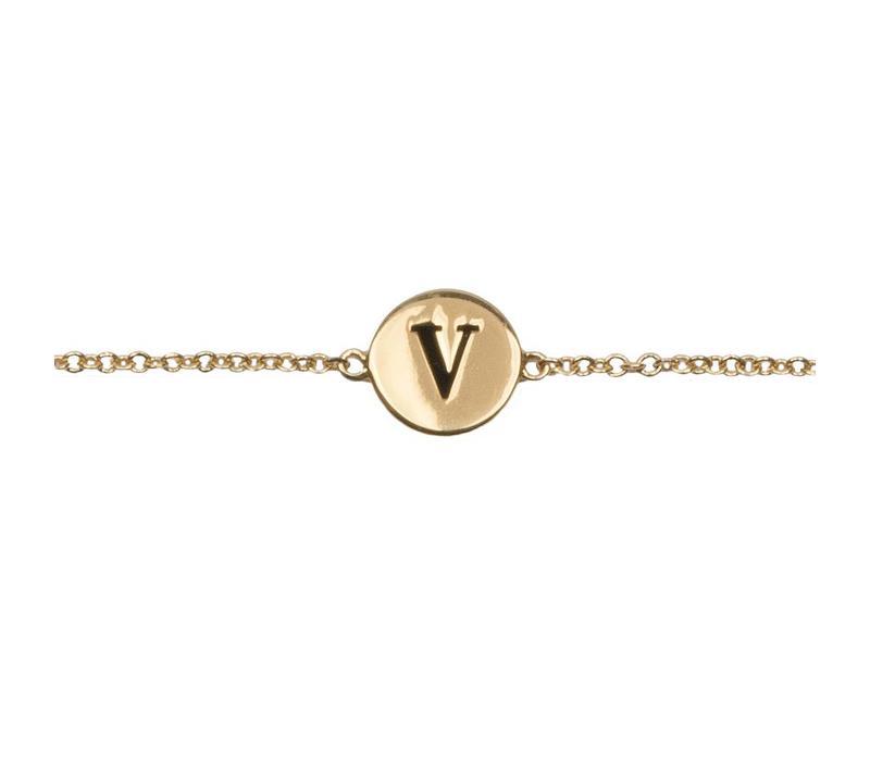 Armband letter V verguld