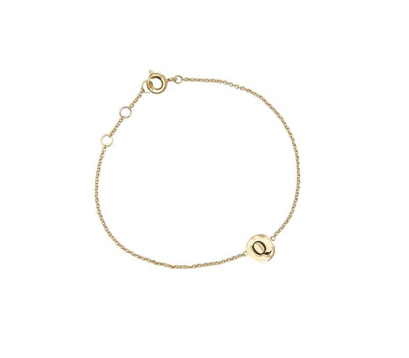 Character Goldplated Bracelet letter Q