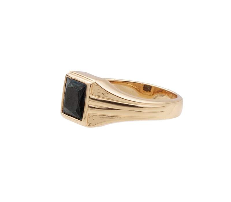 Ring Vierkant Zwart verguld