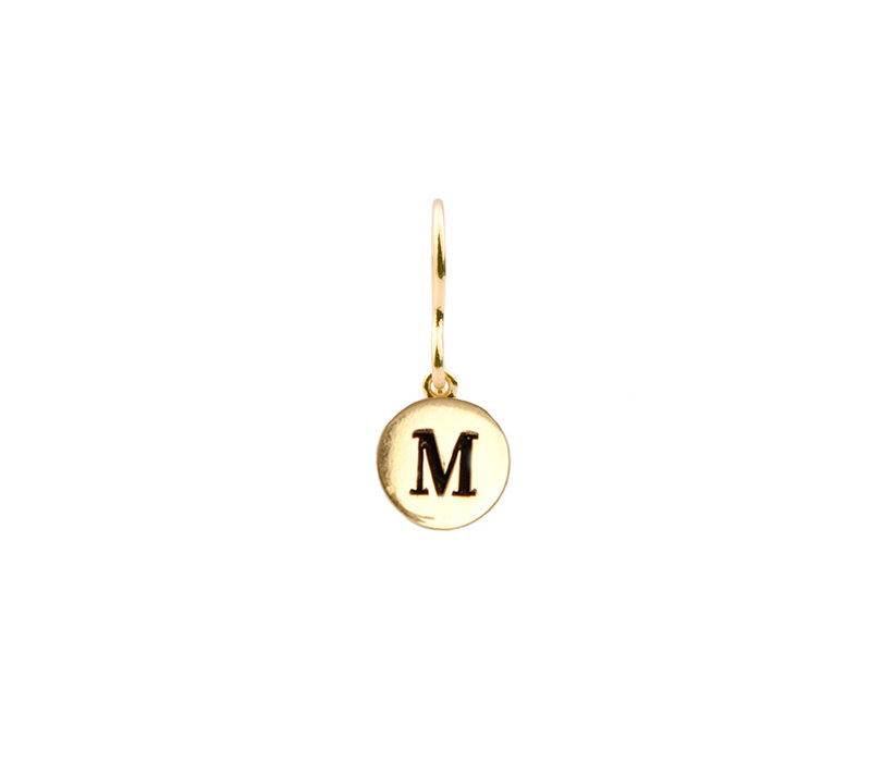 Earring letter M plated