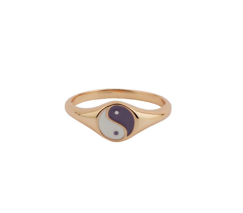 Vivid Goldplated Ring Signet Ying Yang Lila