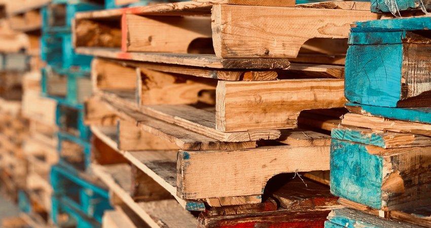 Pallet meubels beitsen