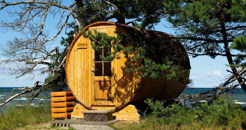 Buitensauna behandelen met beits of olie - Sauna huisjes onderhouden