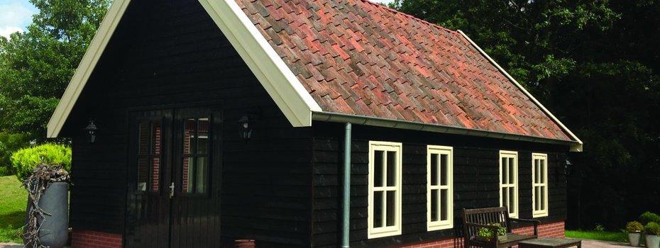 Blokhutten en tuinhuizen behandelen met Perkoleum van Koopmans - Zo moet het!