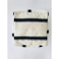 Poef handmade ecru met streep zwart