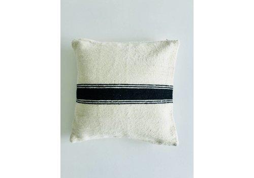 Maroc Handmade Kussen handmade ecru met streep zwart