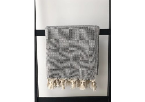 KnUS Beach & Bath towel light grey squared