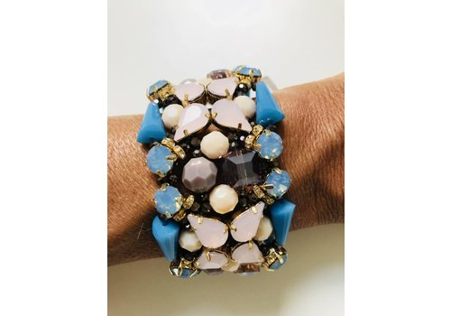 Jewelry Candy Sweet Big statement bracelet in bright blue and classy nude