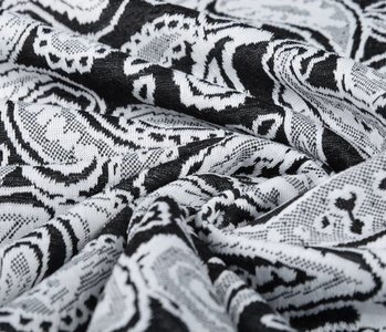 Jacquard knitted Oriental Black White