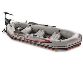 Rubberboot met elektromotor