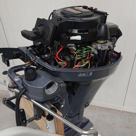Tweedehands Yamaha 6pk 4-takt 2-cilinder elektrisch gestart 8pk carb.