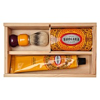 Antiga Barbearia de Bairro Ribeira scheerset in houten kistje