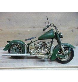 W.F. Peters Motor groen 28x10x15 cm