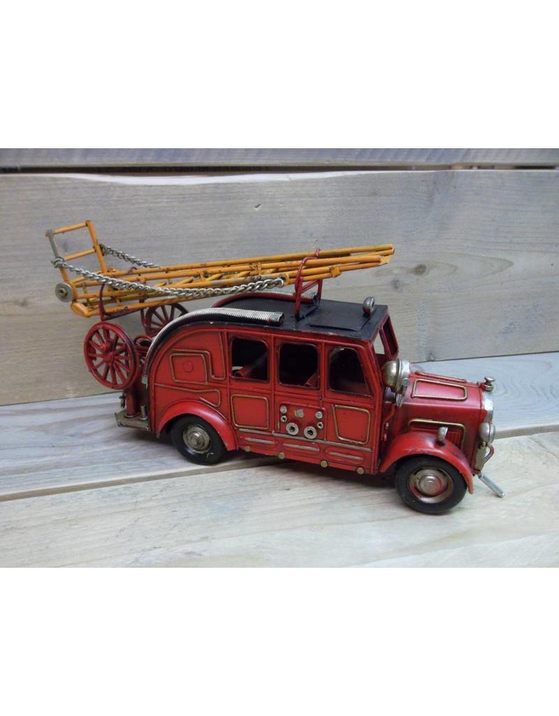 W.F. Peters Brandweer auto 31x9x16,5 cm