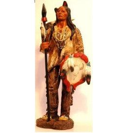 W.F. Peters Indiaan met speer en schild hg ca 33 cm