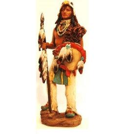 W.F. Peters Indiaan met speer en schild hg ca 21 cm