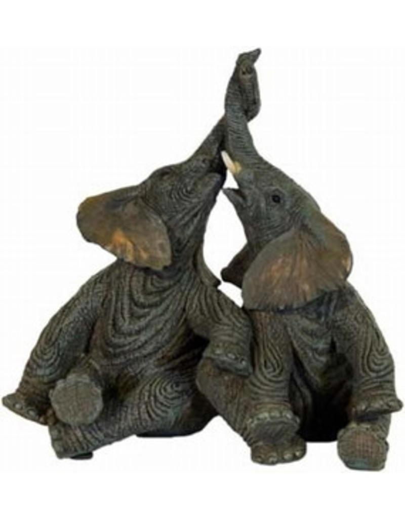 W.F. Peters 2 Olifanten zittend hoog 17 cm