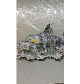 W.F. Peters Dire wolven in sneeuw 46x28x35 cm