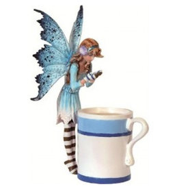 W.F. Peters Hot cocoa elfje by Amy Brown hg ca 15 cm