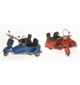 W.F. Peters Scooters met zijspan blauw en rood 13 x9 x7 cm per set van 2
