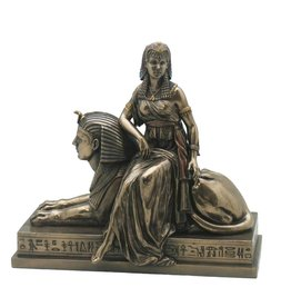 W.F. Peters Cleopatra zittend op Sphinx (brons kl) 25x13,5x23 cm