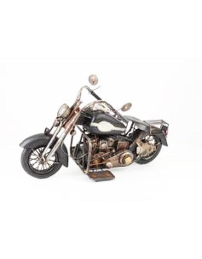 W.F. Peters Motor 31 x 21,5 x 53 cm