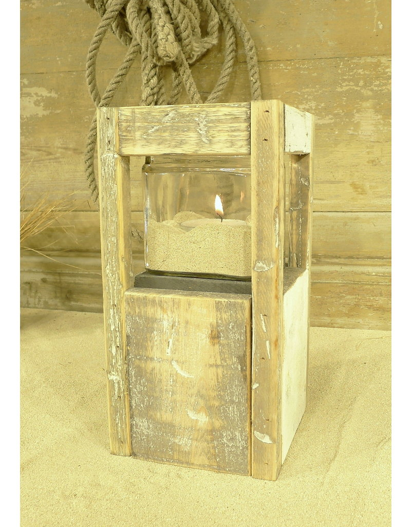 Dutch mood | Zaltii Windlicht met 1 glas, 14 x 14 x 27 centimeter, gemaakt van hout.