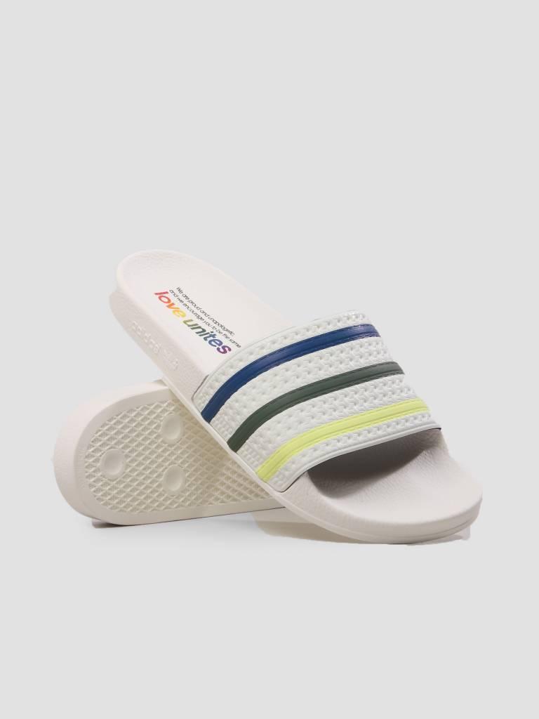 adidas adidas Adilette Pride Core White Trapnk Traora DB3436