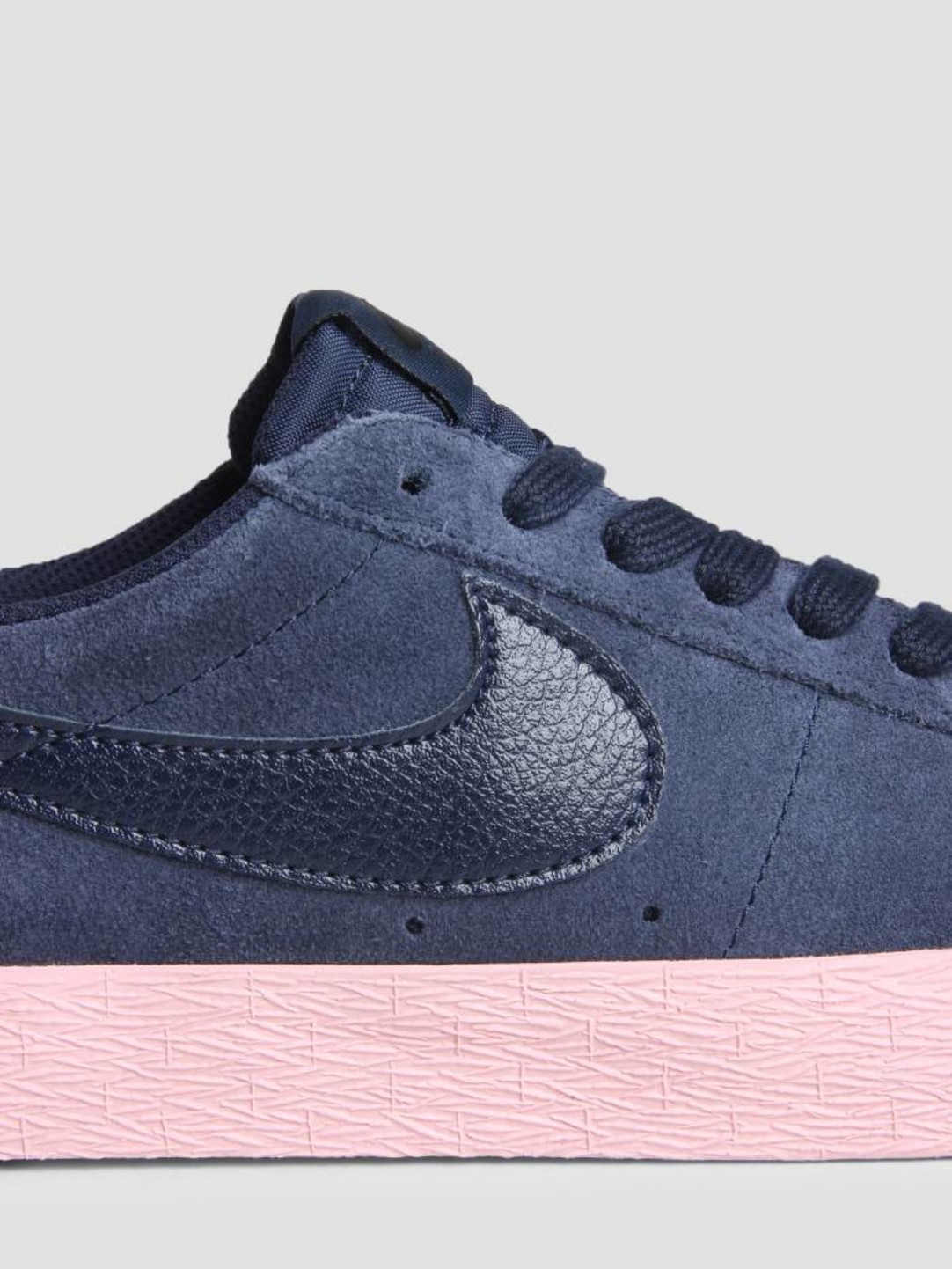 Nike Nike SB Zoom Blazer Low Obsidian Obsidian Bubblegum 864347-402